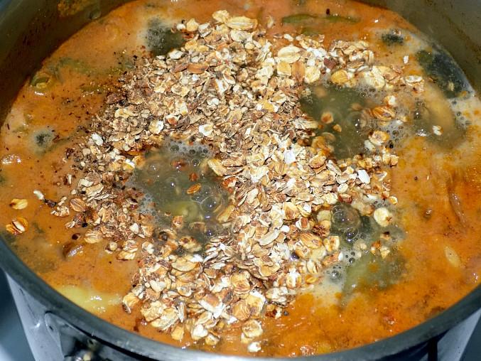 Fazolková polévka s krůtím/kuřecím masem