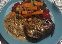 Výborná cibulová omáčka ke steaku