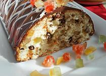 Bílkový chlebíček s kandovaným ovocem